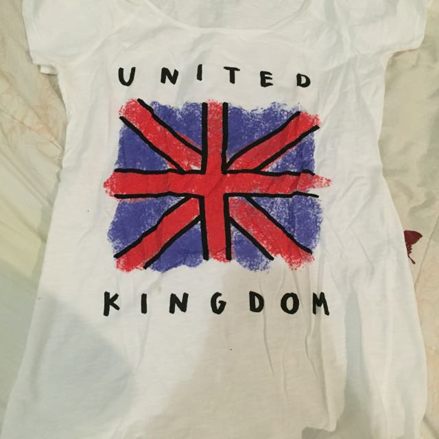 Pull & Bear White Tshirt