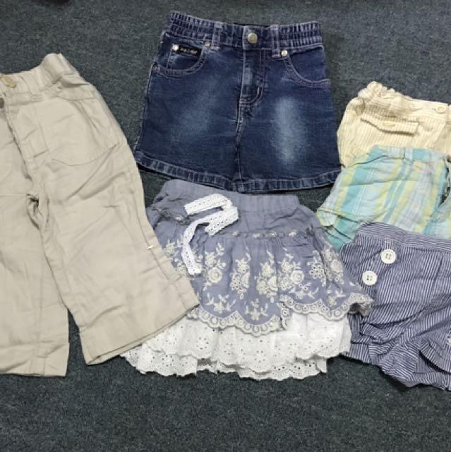 set pants, shorts and skirt
