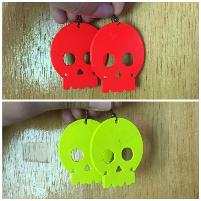 Skull Dangling earrings