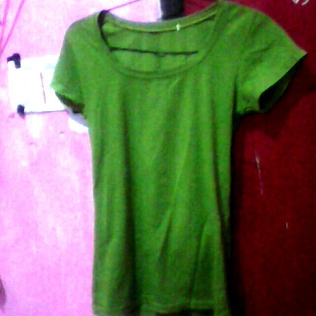 T-shirt Hijau