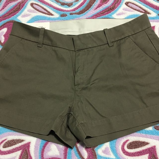 UNIQLO Women Chino Shorts