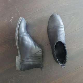 Black Leather ALDO Booties US 9