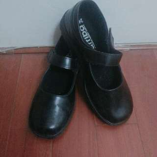 女合唱團皮鞋