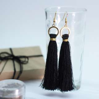 TASSEL EARRINGS: LONG RAYLON THREAD