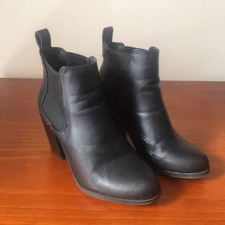 Lipstik Ankle Boots (Size 6)
