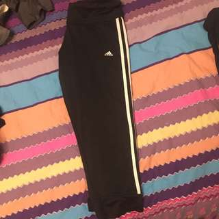 Adidas 3/4 Length Leggings - Size M