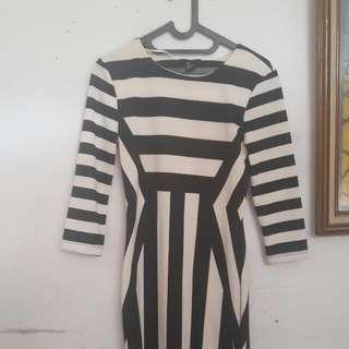 H&M dress Black N White