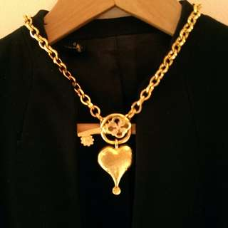 KARL LAGERFELD necklace