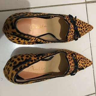 Charles&Keith Leopard Pumps