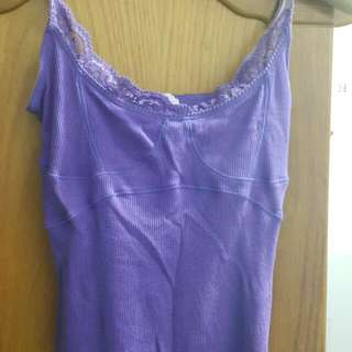 有彈性 😍紫色🍇下擺滾邊🍀 九成新細肩帶😊 S號