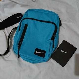 🚚 Nike側背小包
