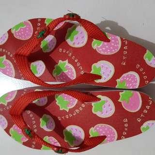 Sandal Jepit Wedges Tinggi Strawberry Cute Cantik