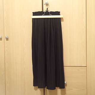 🚚 黑色百褶長裙