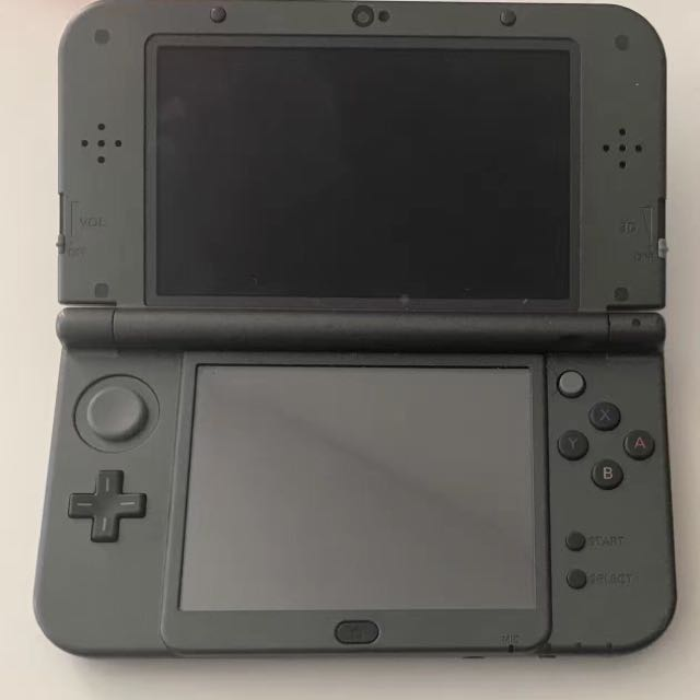 3DS XL Include 4 Games