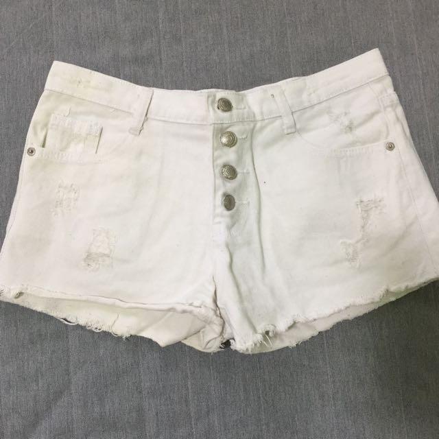 白排扣牛仔短褲