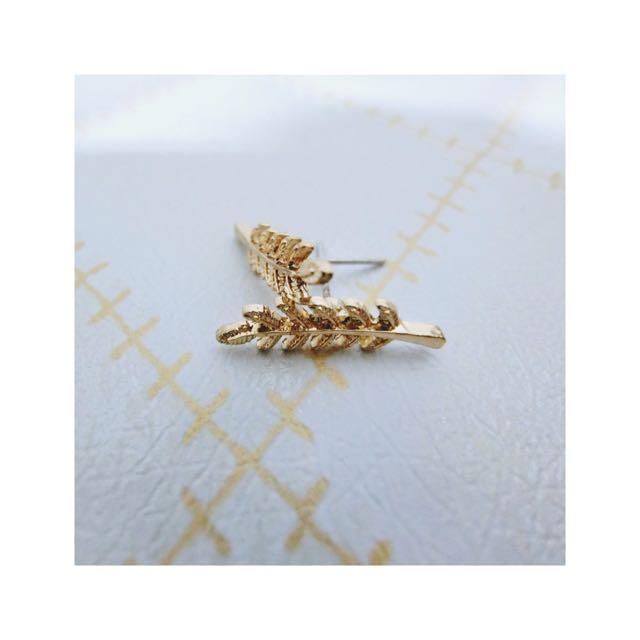 ✨全新 金黃樹葉耳環✨