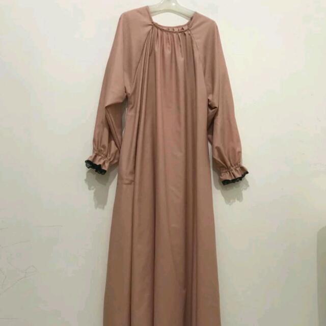 Abaya Beige Cantik