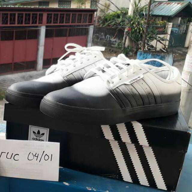 Adidas Seeley HVW8