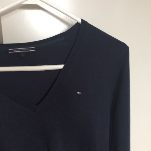 AUTHENTIC TOMMY SWEATER