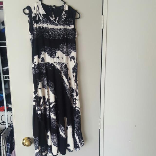 Balck And White Lace Up Dress