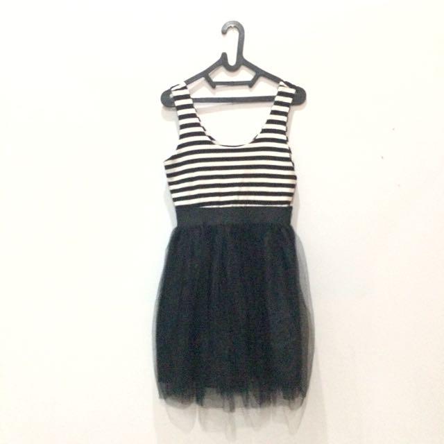 """""""Black Poppy"""" Dress"""