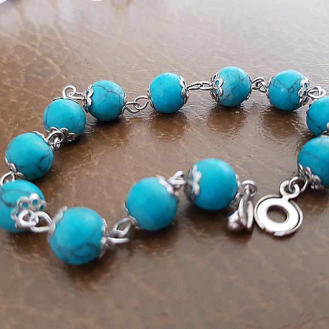 Blue Chain Bracelet With Easy Clip Lock