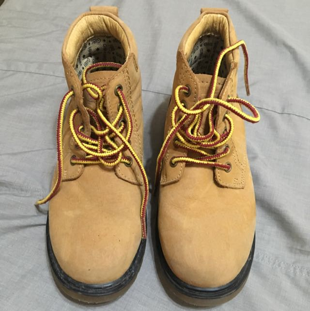 Boots Size:33