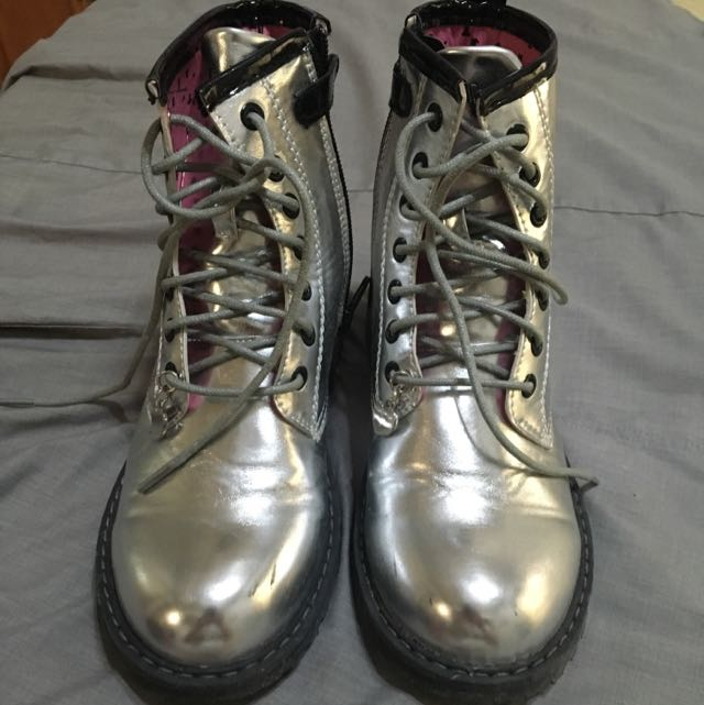 Boots Size:32