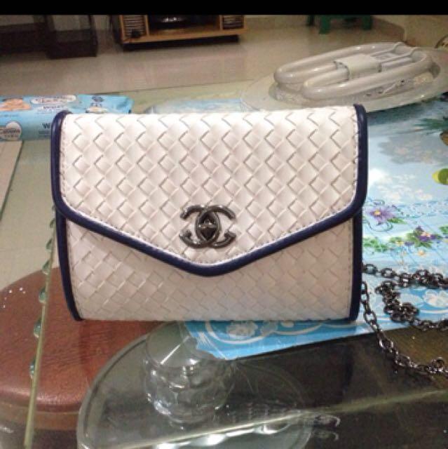 chanel sling bag mini