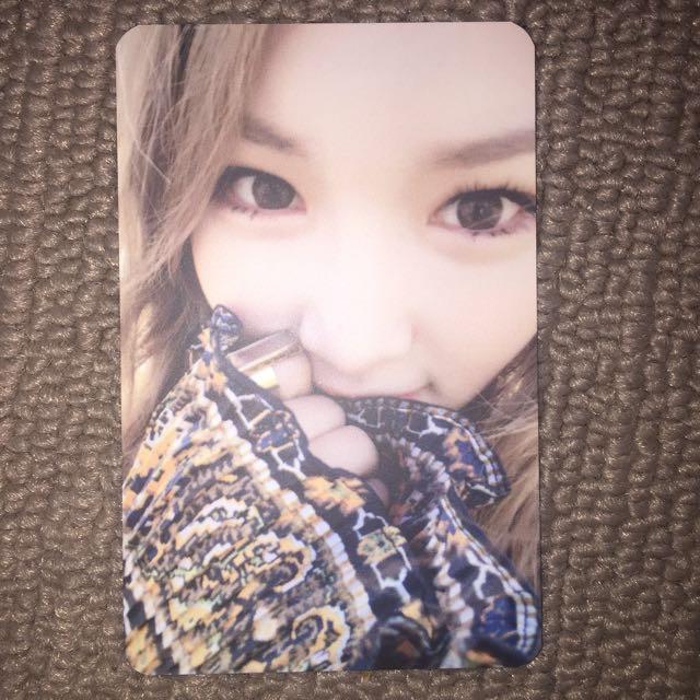 chungha - hands on me photo card