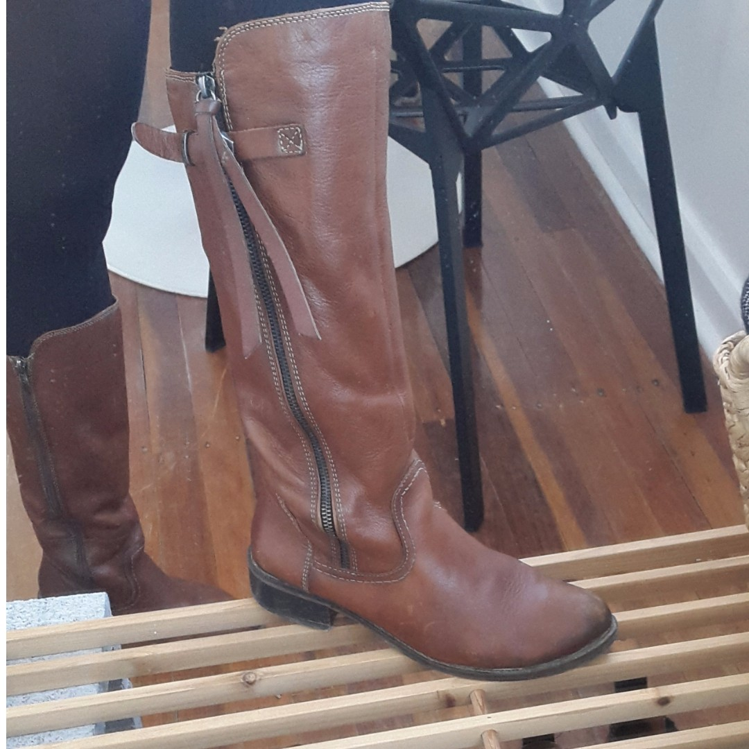Dark brown TAMARIS leather boots