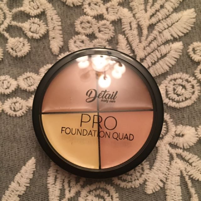 Detail Makeover Pro Foundation Quad (light)