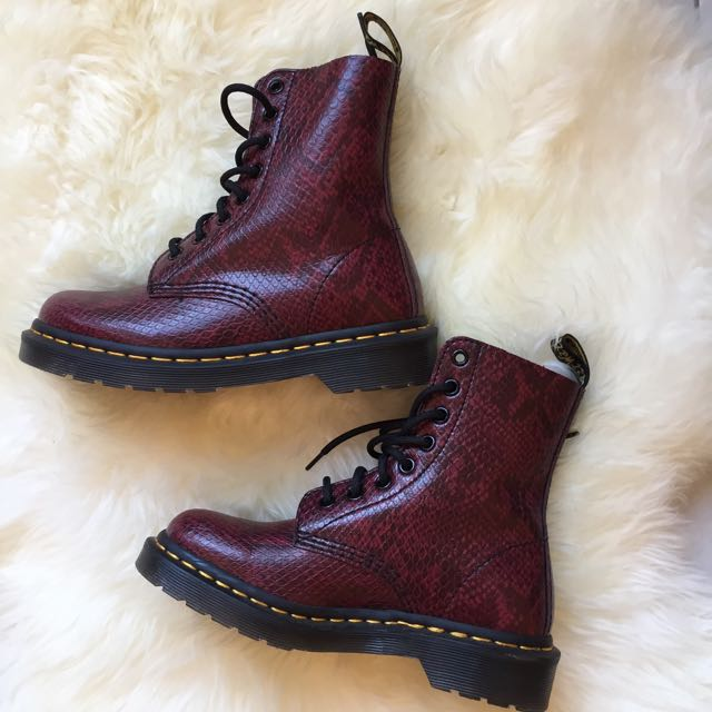 81ce3aca81c65 Dr Martens Pascal Viper, Women s Fashion, Shoes on Carousell