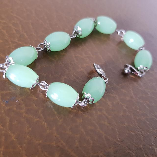 Jade Green Chain Bracelet With Easy Clip Lock