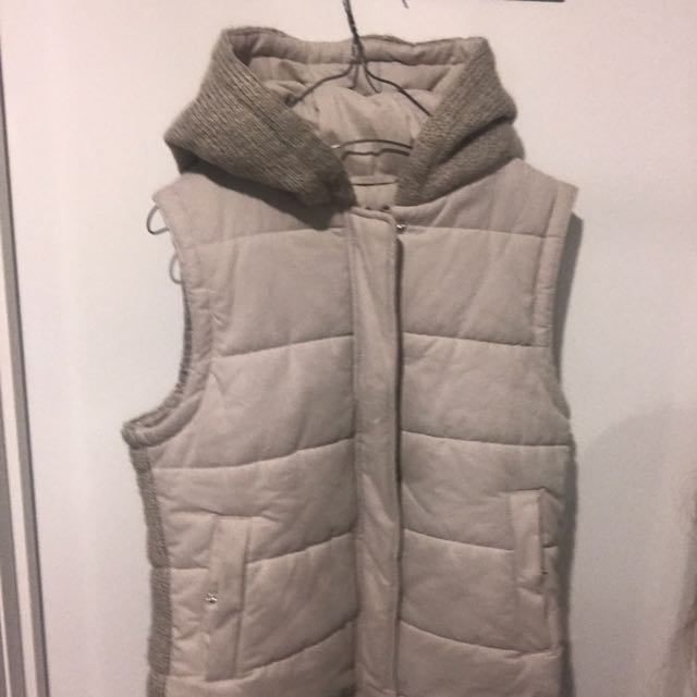 Jeanswest Size 10 Puffer Jacket