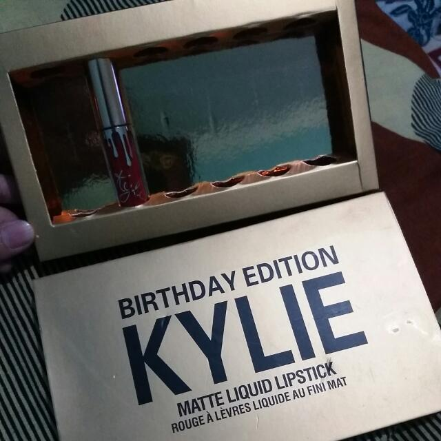 Kylie Birthday Edition - Kristen (Tinggal 1)