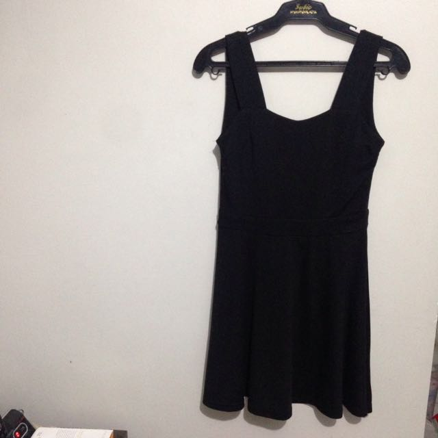 Little Black Dress (LBD)