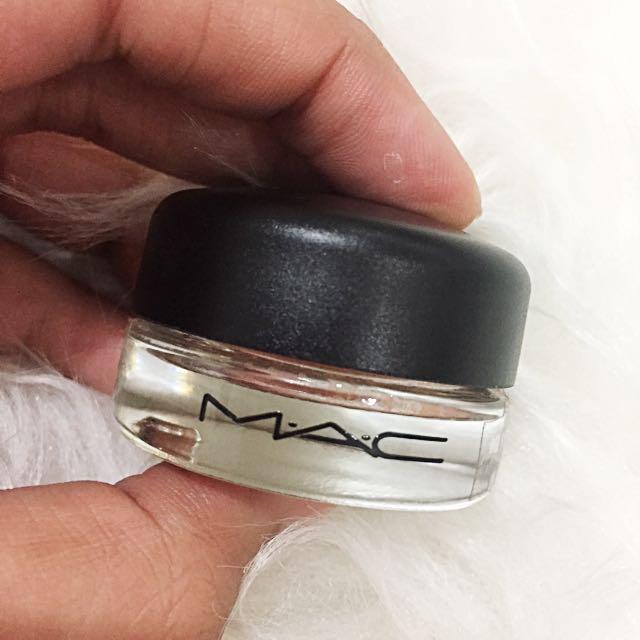 Mac Pro long wear paint pot