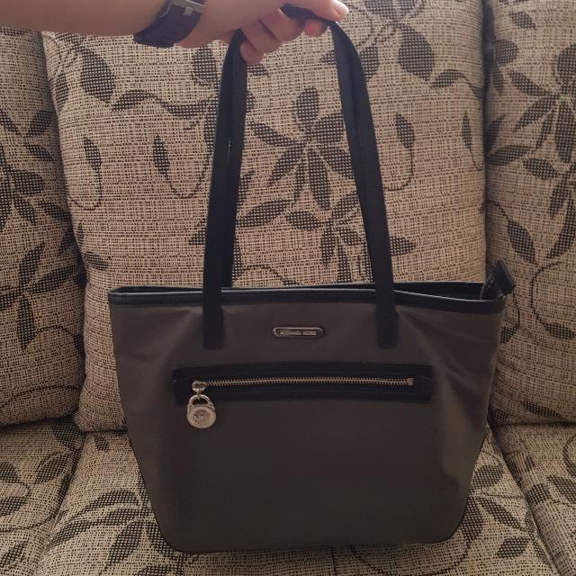 06fe0bf9f06a Michael Kors Kempton Small Nylon Tote Bag, Women's Fashion, Bags ...