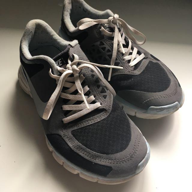 Nike 7.0 Free Run (Sz 6.5)