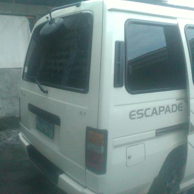 Nissan Urvan Escapade