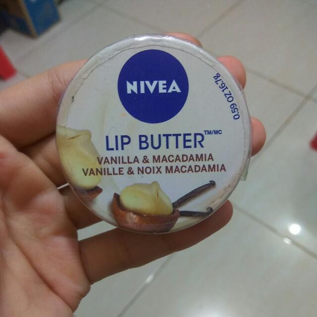 Nivea Lip Butter Vanilla & Macadamia