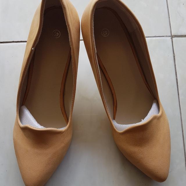 Sepatu Nude