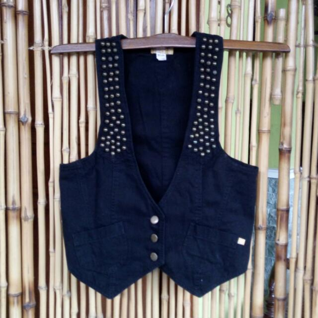 Vest Spicy Studded Black