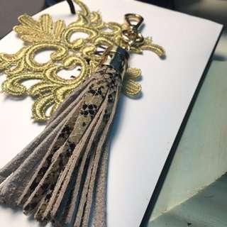 蛇皮吊飾 皮革 包包掛飾 金扣