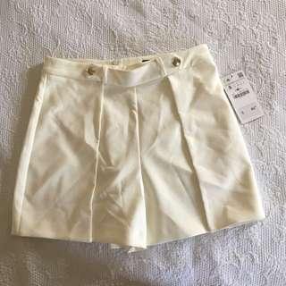 BRAND NEW White Zara Shorts