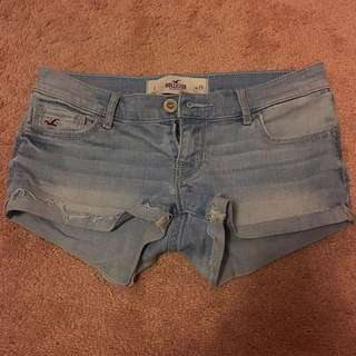 HOLLISTER Low-Rise shorts