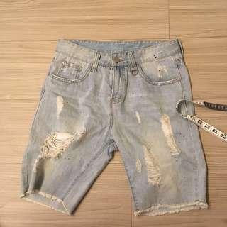 破壞淺刷牛仔短褲