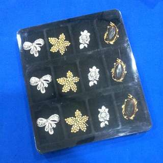 Vintage Brooches For Classic KEBAYA
