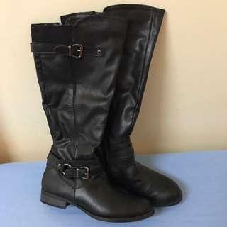 Black Boots *size 7*